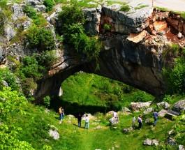 Să ne cunoaștem țara: Podul lui Dumnezeu de la Ponoare